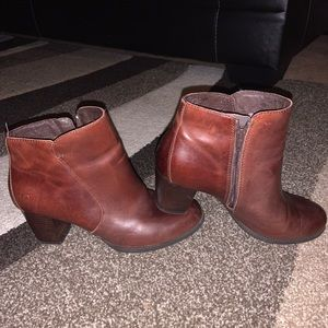 BORN brand brown leather ankle boots 9